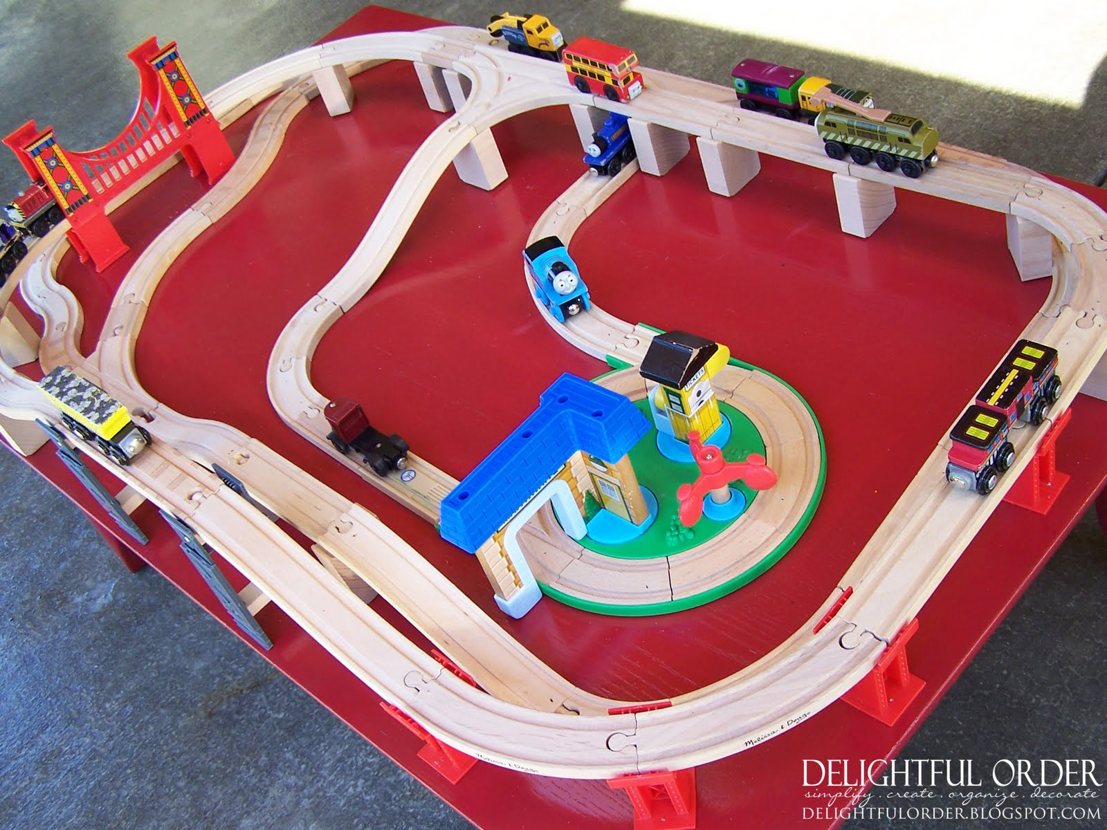 free children's train table plans | New Woodworking Style
