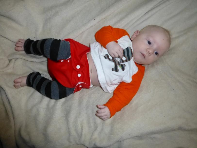 baby legs 10 weeks 1