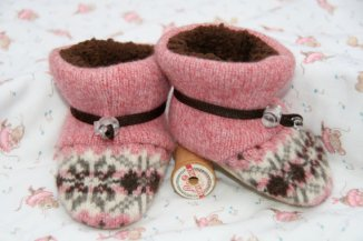 pink toggle toes baby booties soft shoes